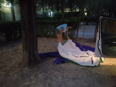 Setting up the tent on the first night in Granada