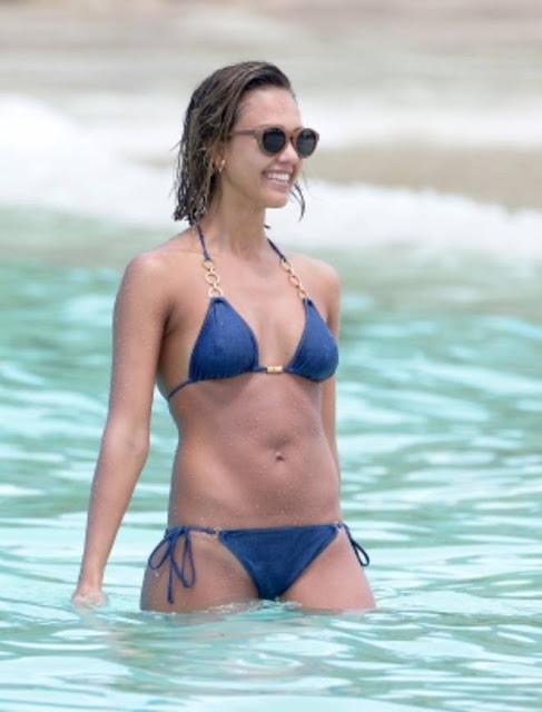 20150403 94616 99 567696 000061m - Jessica Alba Hot Bikini Images-60 Most Sexiest HD Photos of Fantastic Four fame Seduces Us Atmost