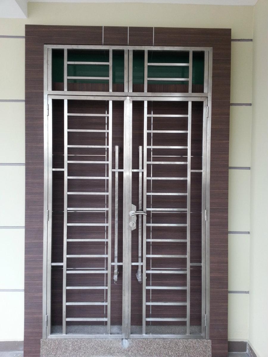 spesialis fabrikasi pintu besi Tangerang Selatan
