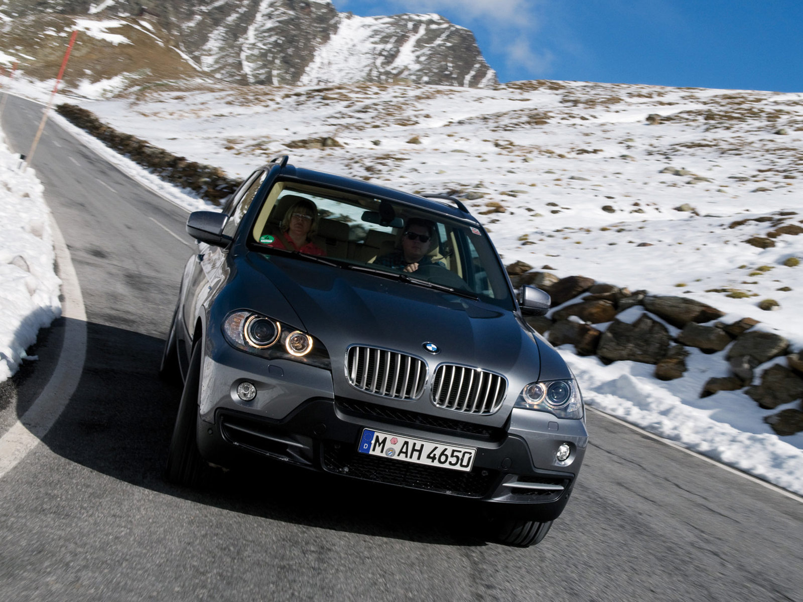 BMW X5 xDrive35d BluePerformance 2009 wallpapers
