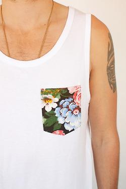 camiseta com bolso estampado (9)