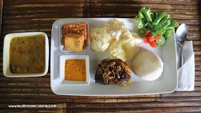 Kebon Awi Kaffee: Masakannya Nikmat Pemandangannya Sedap