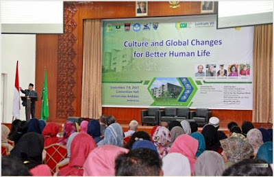 English Department Held International Conference on Culture