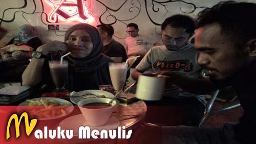 Gambar Wisata Hiburan Kota Ambon Live Music Cafe 2