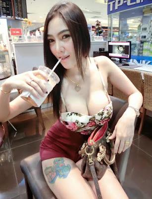 Foto Mesum Cewek Bertatto Hot Sexy