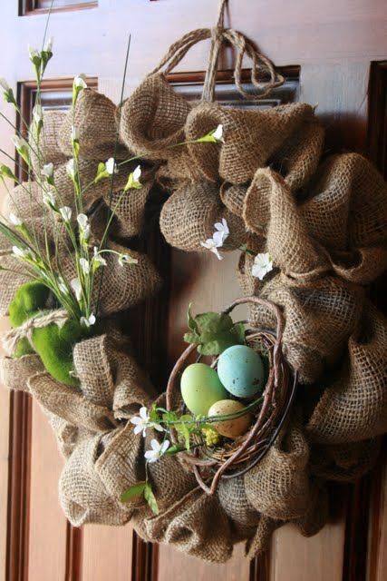This adorable birds nest burlap wreath is a perfect spring DIY