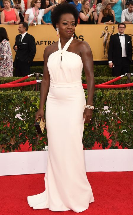 Viola Davis in a white Max Mara dress at the SAG Awards 2015
