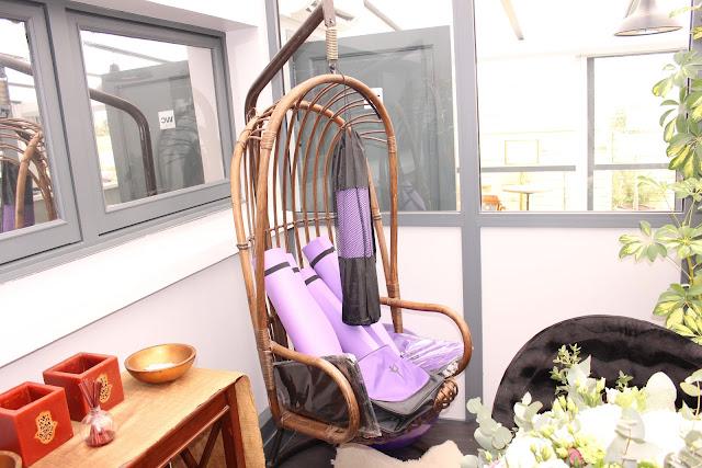 Espace détente et de partage près de l'accueil - Origyn - Blog beauté Les Mousquetettes ©