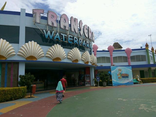 Wisata Keluarga di Transera Waterpark