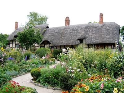 Anne Hathaway's Cottage Garden, How To Plant a Shakespeare Garden