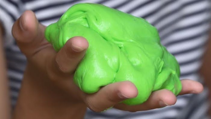 Gioco per bambini SLIME cancerogeno: la gelatina maleodorante deve essere ritirata dal mercato
