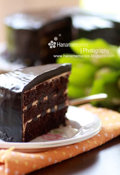 HaNa's FamiLy: Russian Black & White Chocolate Cake
