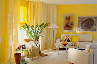 Sala color amarillo y blanco