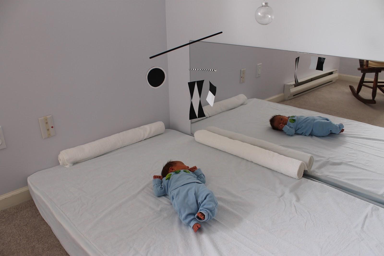 Four Post Bedroom Set Montessori Beginnings Munari Mobile