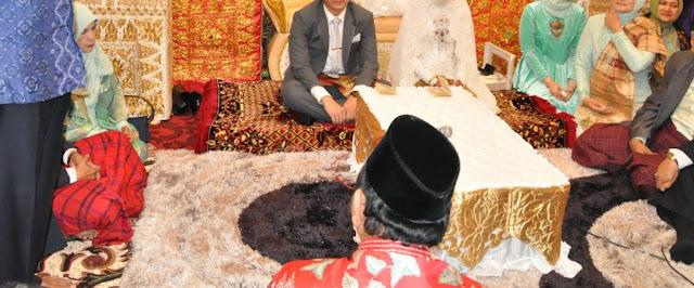 Alasan Adat Minangkabau Menganjurkan Pernikahan Dalam Nagari