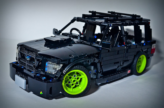 Lego Technic Subaru Forester   LEGO Technic  Mindstorms   Model Team     19 jpg