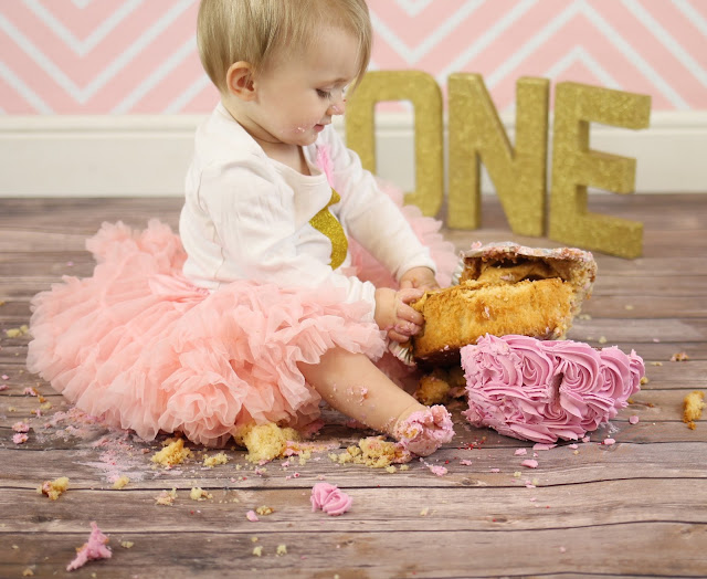 cake smash glitter oNE letters and upside down pink cake