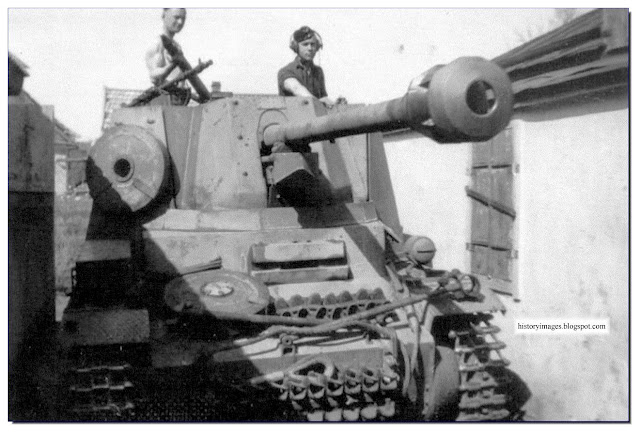 German Marder II self-propelled gun Ukrainian village