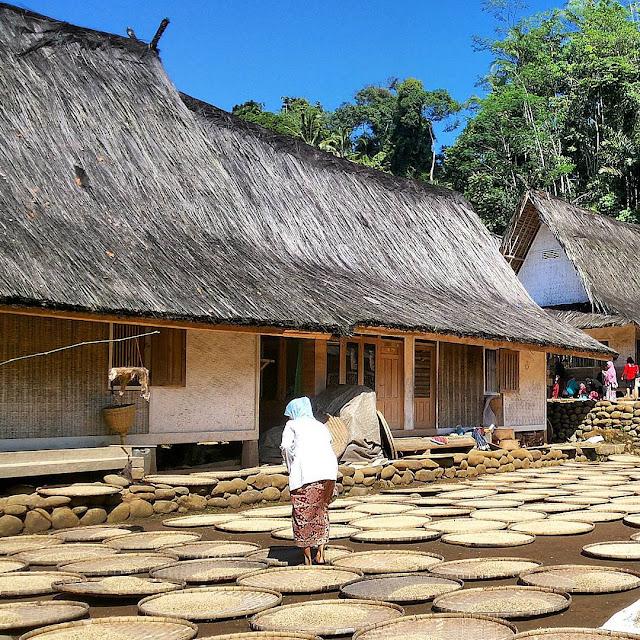 foto kampung naga tasikmalaya