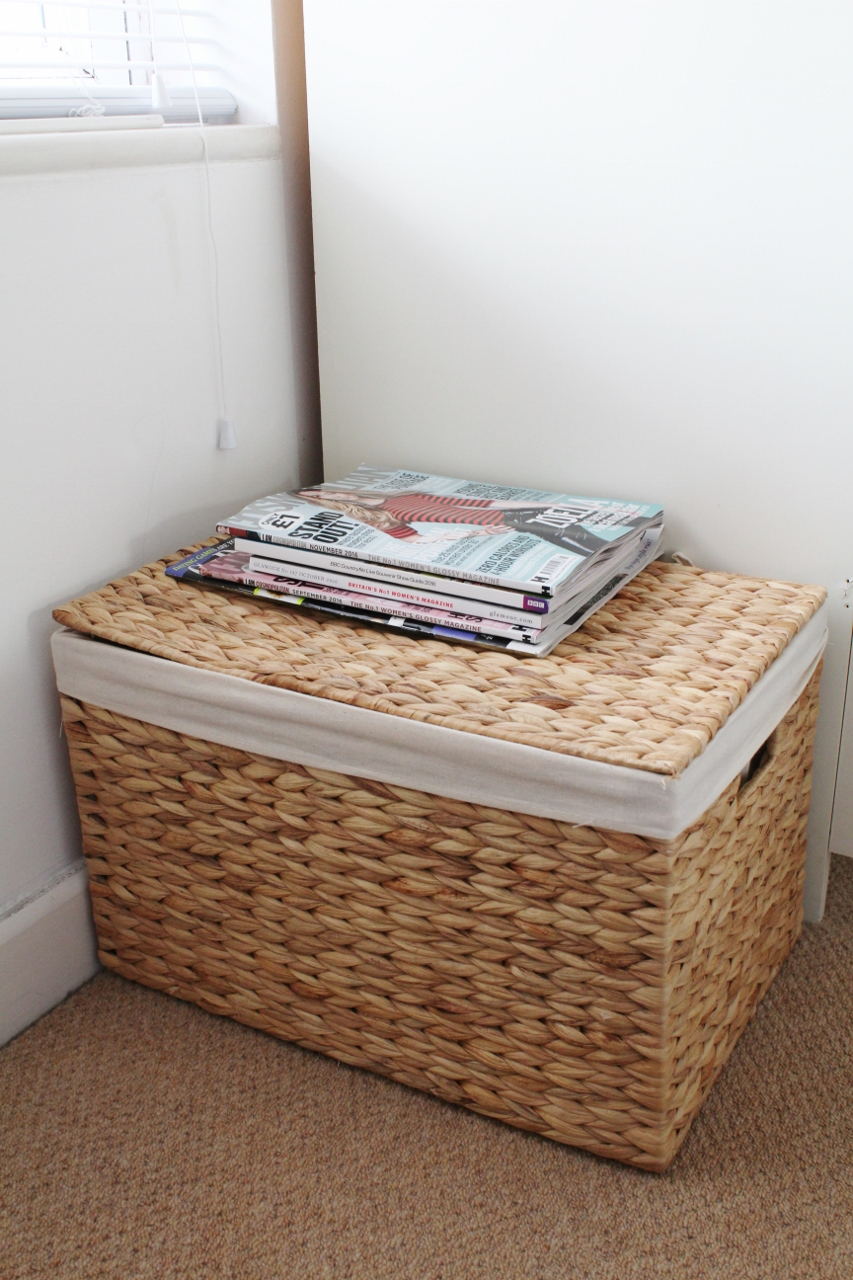 Wicker basket with magazines