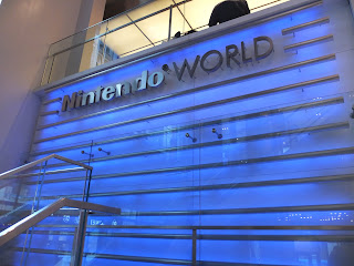 Nintendo world storeの2階へ