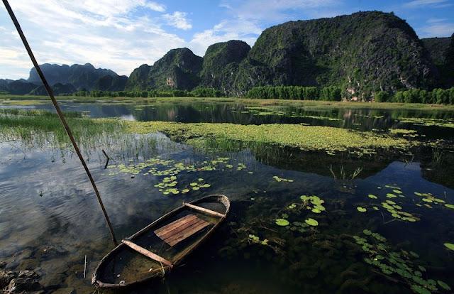 Enjoy outdoor lagoon in Vietnam 1