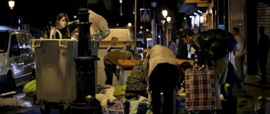 Bruselas alerta del riesgo de la caída de los ingresos familiares en España