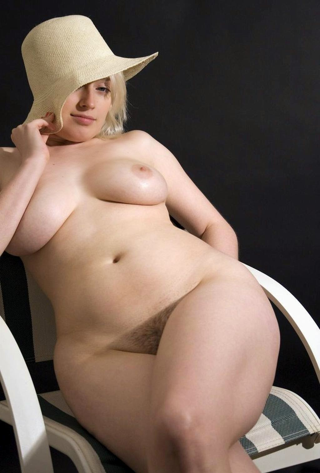 Naked Fat Girl Wide Hips-3916
