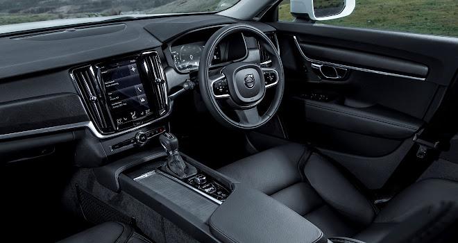 Volvo V90 Cross Country interior