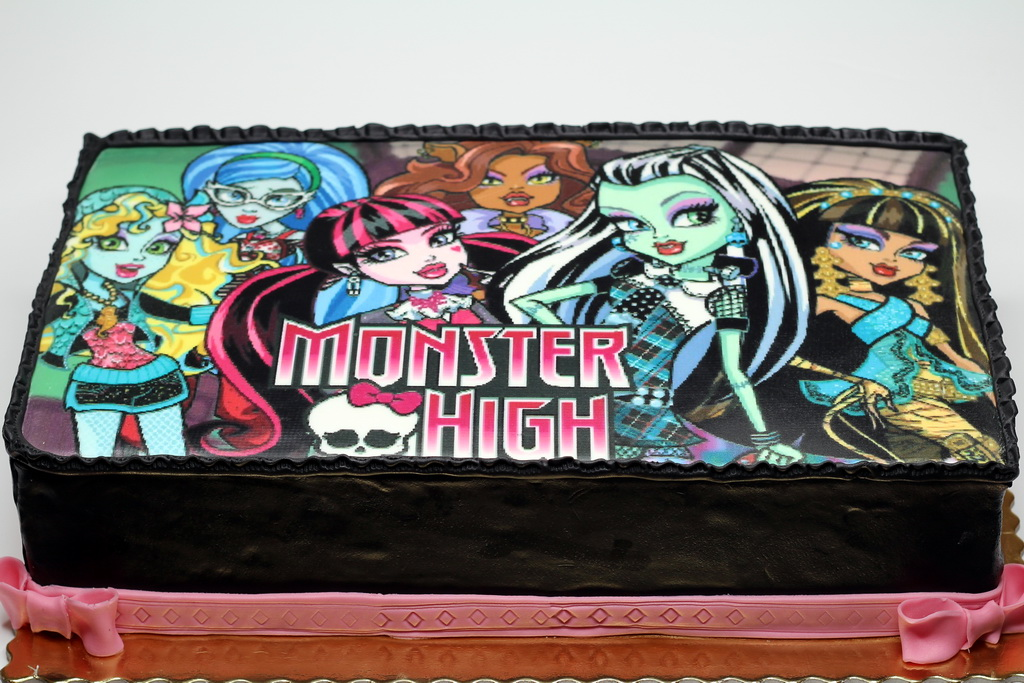 London Patisserie Monster High Birthday Cake