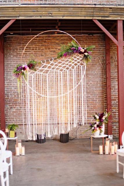 Decoración de bodas con atrapasueños - Foto: www.deerpearlflowers.com