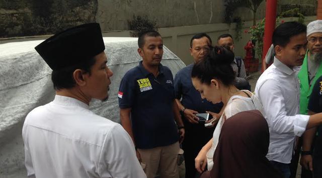 Diisukan Mantan PSK, Irina Istri Ahli IT Hermansyah Tertekan