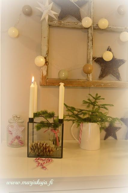 joulusisustus kuusi kynttila
