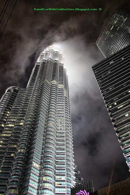 Shrouded in mist, Petronas Twin Tower, Suria KLCC, KL, Malaysia