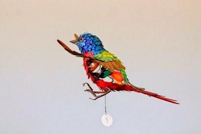 aves coloridas hechas de papel