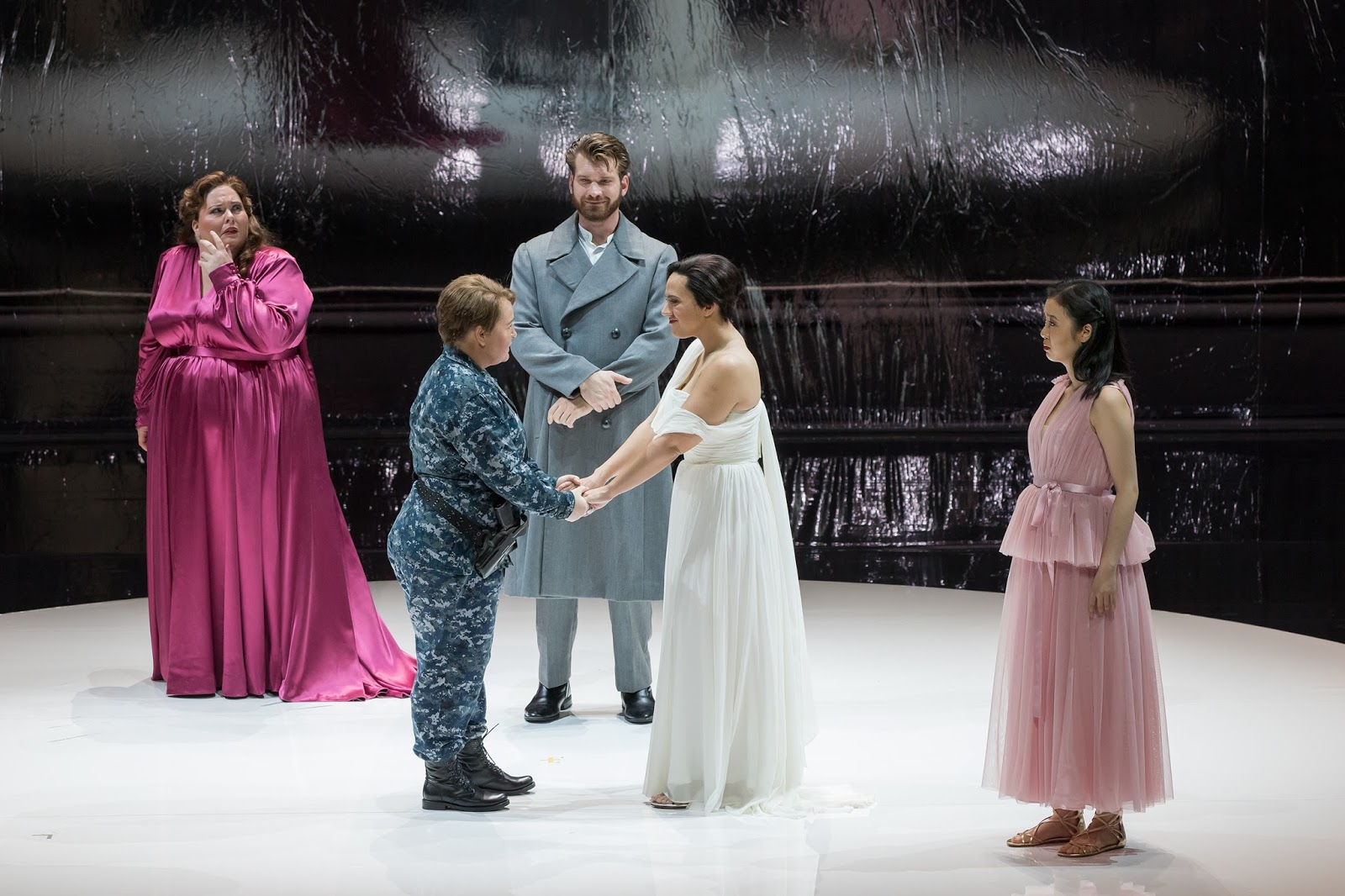 IN PERFORMANCE: (from left to right) soprano ANGELA MEADE in the title rôle, mezzo-soprano ELIZABETH DESHONG as Ruggiero, baritone MICHAEL ADAMS as Melisso, mezzo-soprano DANIELA MACK as Bradamante, and soprano YING FANG as Morgana in Washington National Opera's production of Georg Friedrich Händel's ALCINA, November 2017 [Photo by Scott Suchman, © by Washington National Opera]
