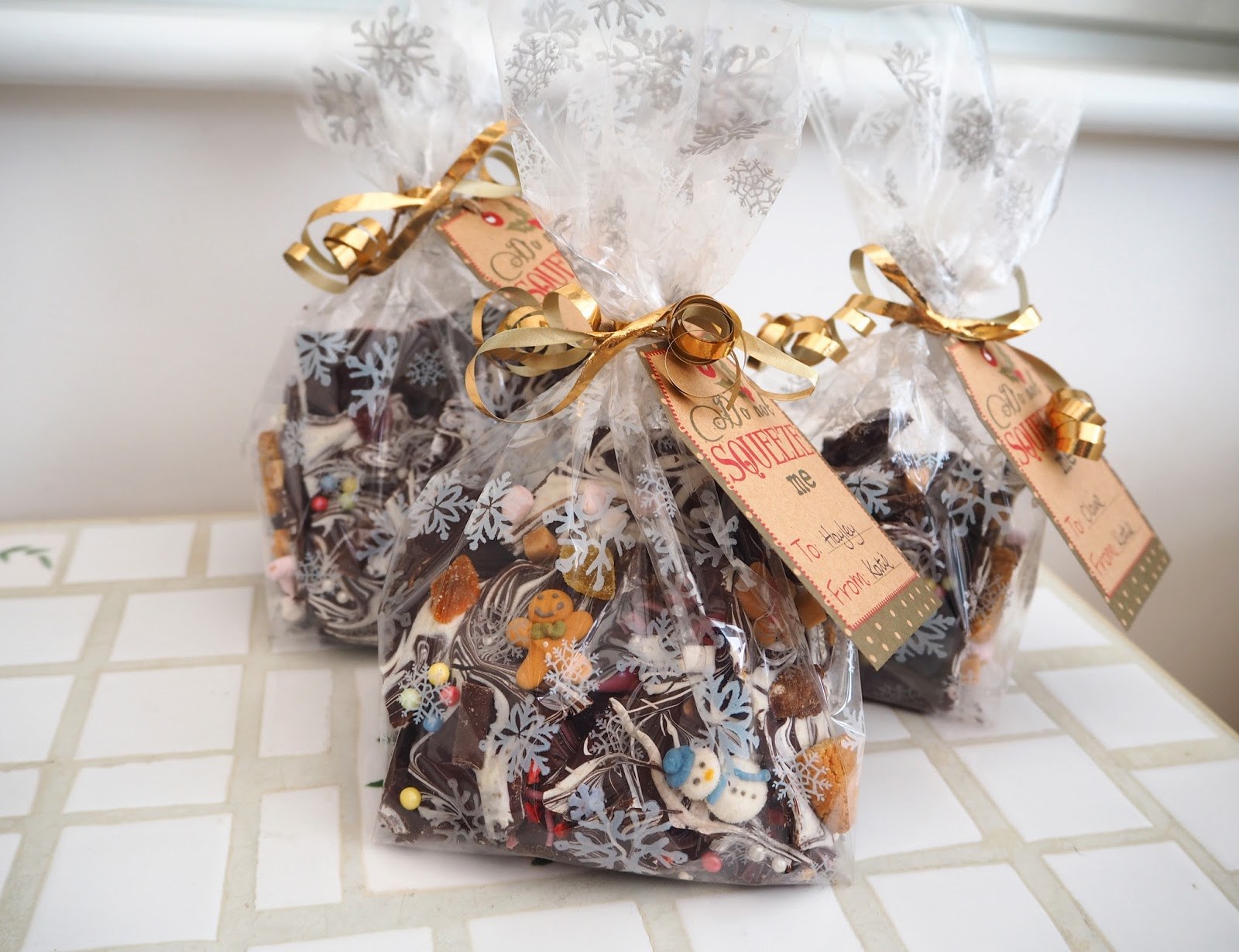 Homemade Christmas Gifts | How To Make: Chocolate Bark