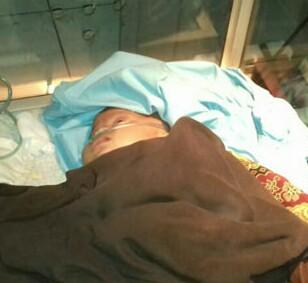 Bayi yang dikubur hidup-hidup saat dirawat di rumah sakit.