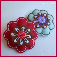 broche flor en fieltro