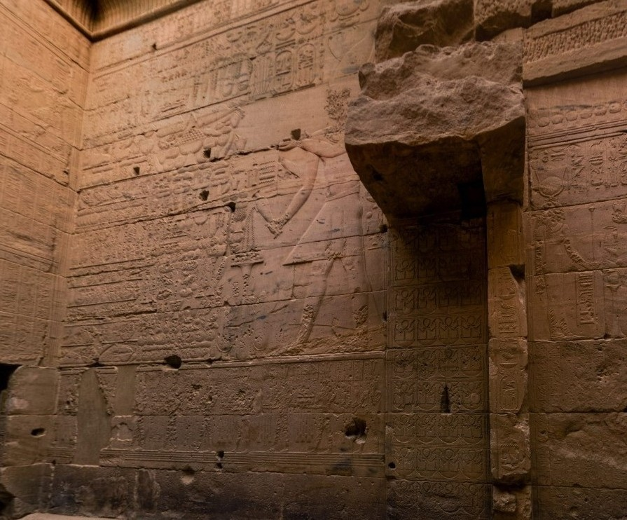 The Ancient Egypt: Philae Island    The Great Temple of Isis