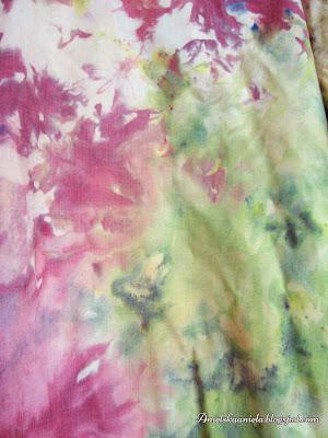 jak zabarwić spódnicę,koszulkę bluzkę,barwienie ubrań,barwnik,naturalne barwienie tkanin,