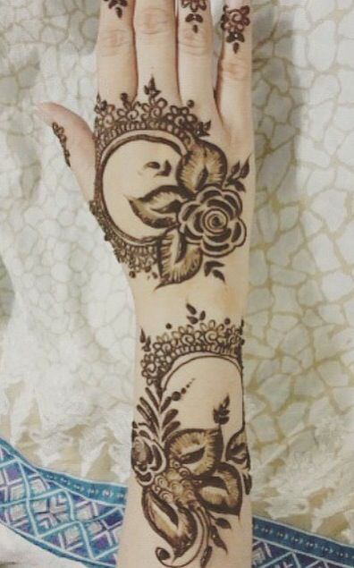 Mehndi Rose Designs For Hands : Stunning rose mehndi designs for all occasions bling