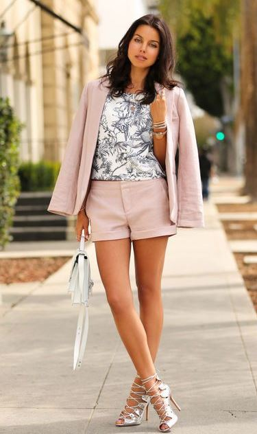 What to Wear on a Date: Romantic Summer Outfit Idea