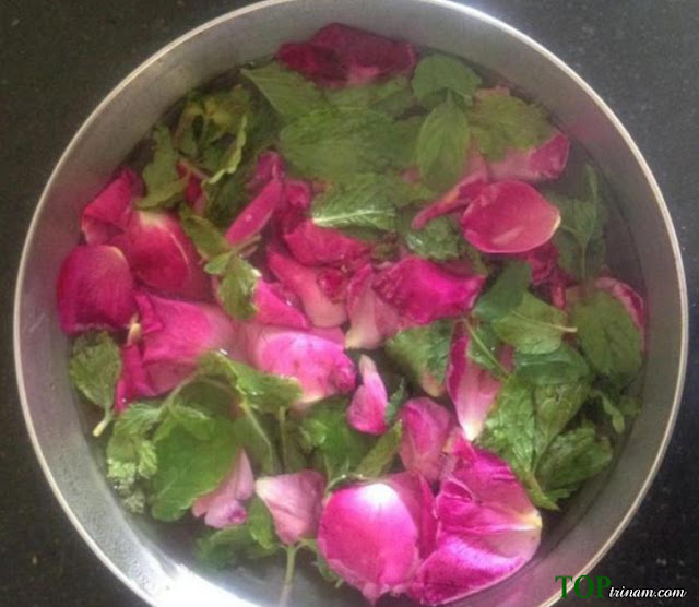 DIY: Cách làm nước xịt khoáng từ hoa hồng cho da lão hóa cực hay