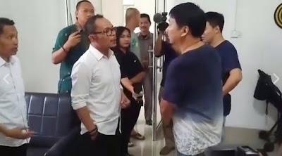 Beredar Video Marahi TKA Tiongkok Saat Sidang, Menaker: Sit Down!