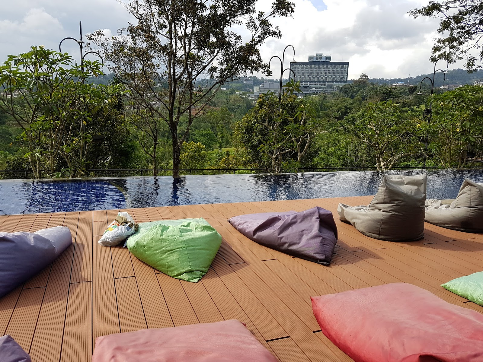 Review Hotel Di Bandung Clove Garden Hotel Residence