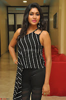Akshida in Black Tank Top at Kalamandir Foundation 7th anniversary Celebrations ~  Actress Galleries 023.JPG
