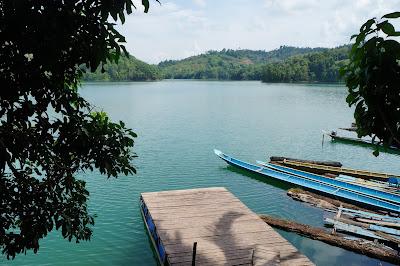 Danau Buatan Batang Ai tukang jalan jajan