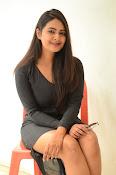 Neha deshpande new sizzling pics-thumbnail-7