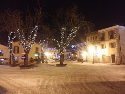 Piazza A. Duval di Campo di Giove con la neve